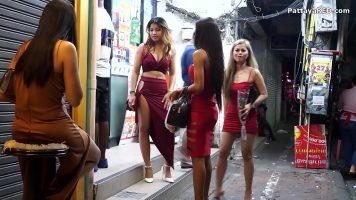 من السهل على النساء اللواتي يتم تعليقهن في الشارع العودة إلى المنزل للعملاء