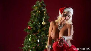 عيد الميلاد رائع مع الآباء الكبار الذين يحبون أن ينكسر مع ديك